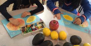 文さんのアート教室【オイルパステルで季節の果物を描きましょう】