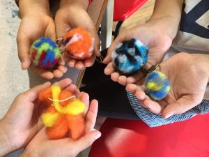 文さんのアート教室【木と木の実、羊毛フェルトのオブジェ】